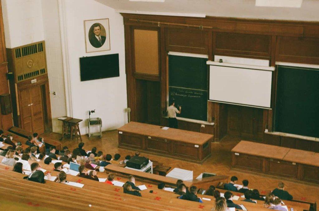 Complete undergraduate programs with excellent grades