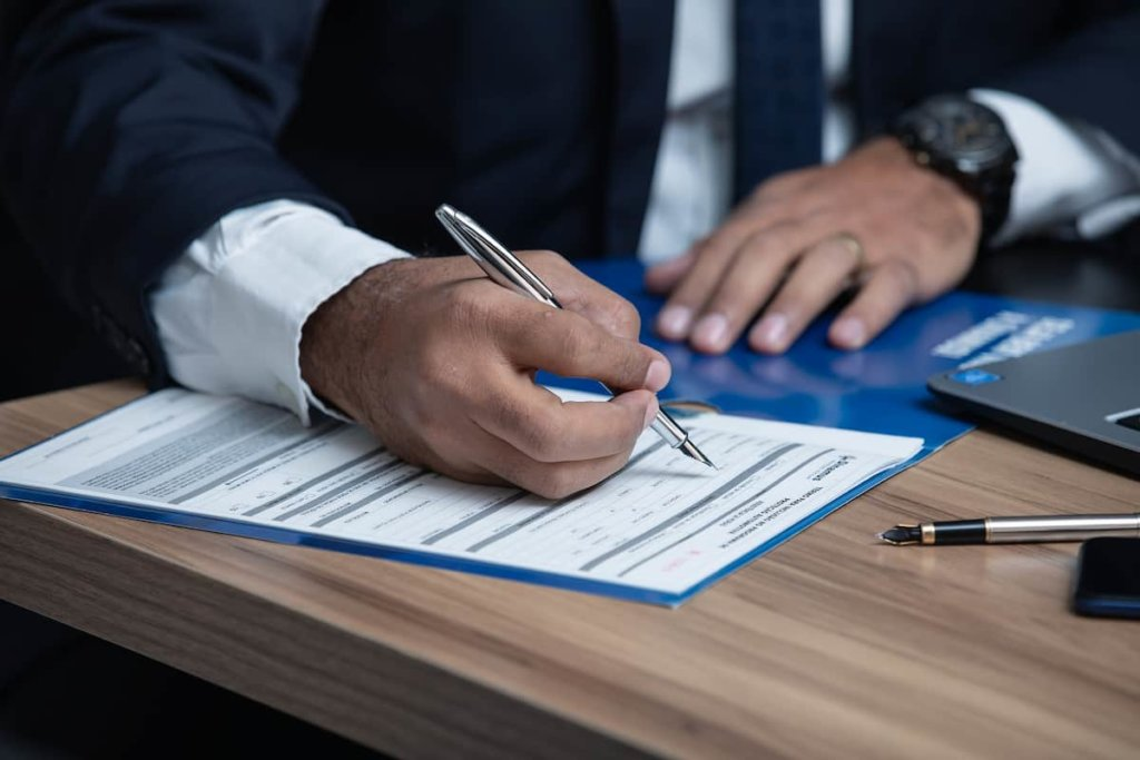 Roles and responsibilities of a corporate lawyer