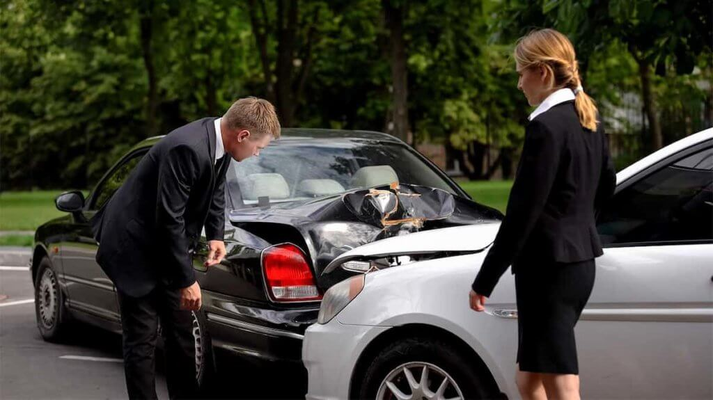 A Car Accident Lawyer Can Wraggle With the Insurers