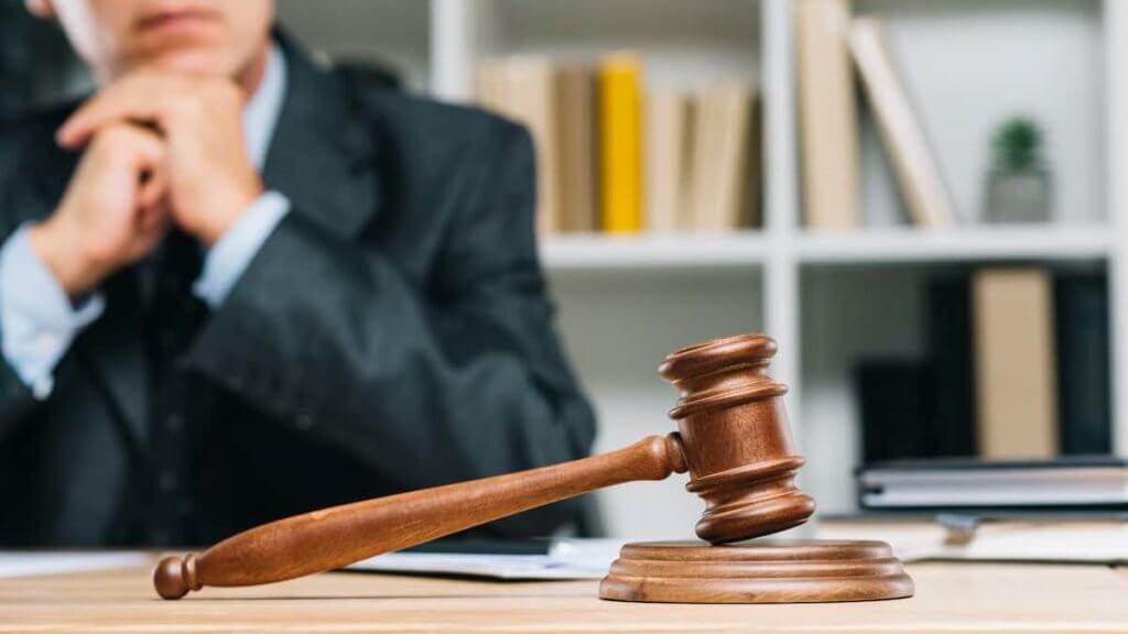 Advantages of Having a Criminal Defense Lawyer