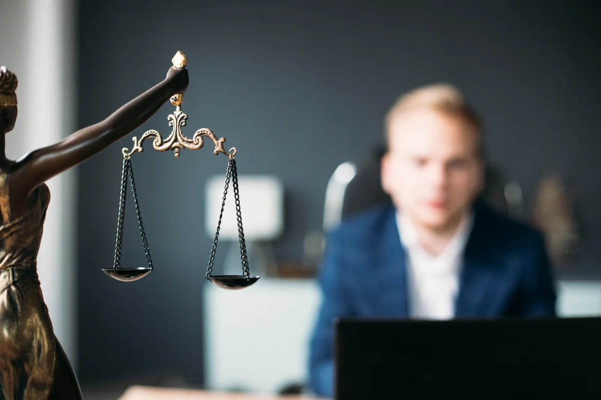 How To Become A District Attorney